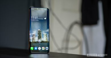 4 things my 3-year-old phone does better than some 2021 flagships